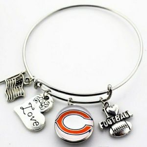 NEW! Chicago Bears Charm Bracelet